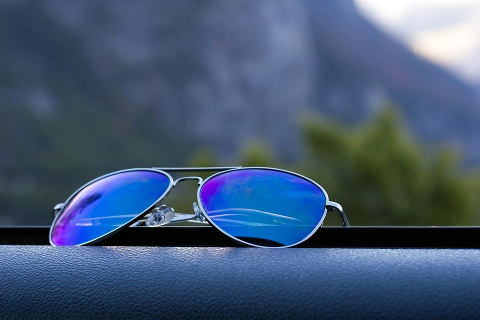 Polarized sunglass img
